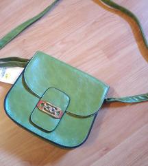 Manjša zelena torbica (z etiketo!)