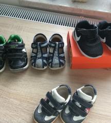 Čevlji, copati 20,21