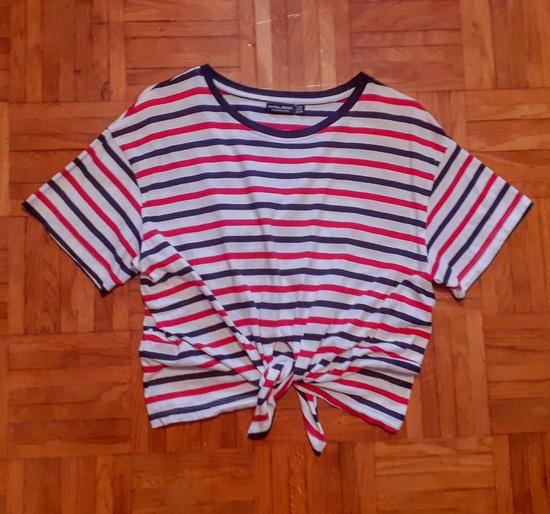 Bershka majica na zavezovanje M
