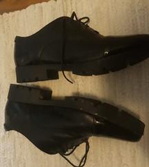 Čevlji na špic