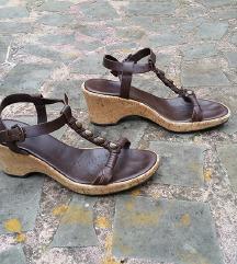 GEOX št. 39 usnjeni sandali s polno peto