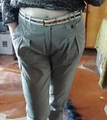 Elegantne sive hlače s pasom