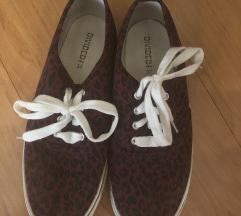 Ženski leopardji čevlji