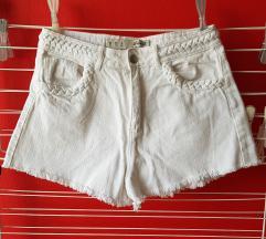 Bele kratke hlače z visokim pasom