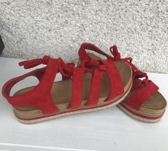 rdeči sandali
