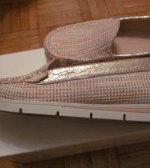 čevlji usnjeni št.39 Hispanitas
