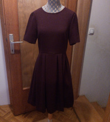 Vijolična obleka