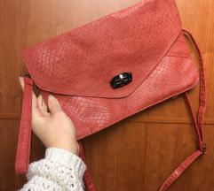 Rdeca torbica s paskom