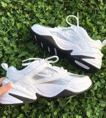 Nove Nike M2k Tekno črno-bele superge 36,5