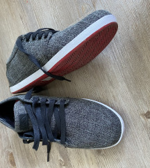 Nizki moški čevlji