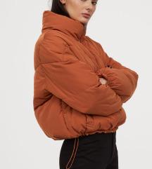 Oranžna 'puffer' jakna