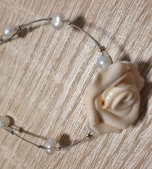 Zapestnica z rožo
