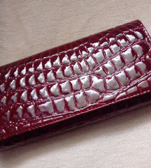 Vinsko rdeča lakasta denarnica