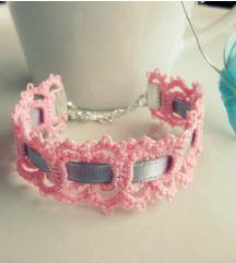 Romantična nežno roza-siva čipkasta zapestnica