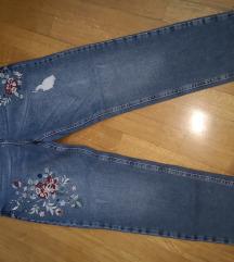 Mom jeans z rožami