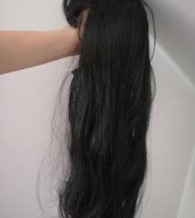 Črna lasulja (spredaj ima fru fru)