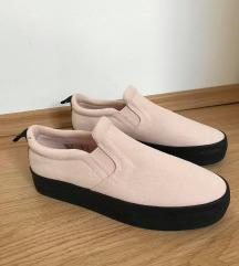 Roza slip-on čevlji