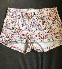 H&m rožnate kratke hlače