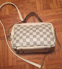 Čudovita Louis Vuitton torbica
