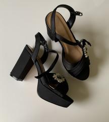Crni elegantni sandali