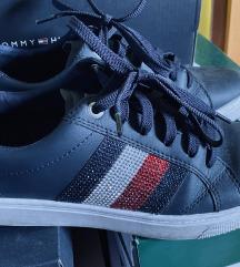 Čevlji Hilfiger
