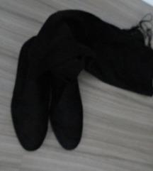 Škornji nad koleni / črni / nizka peta