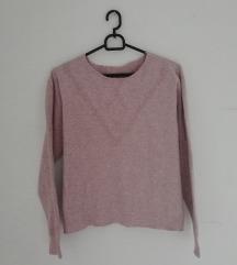 Svetlo vijoličen distres pulover
