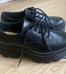 Novi čevlji s platformo