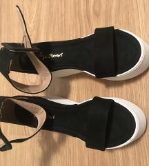 Sandali z polno peto