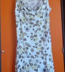 Poletna oblekca z rožicami