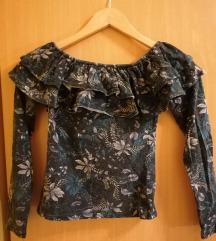 Zelena off-the shoulders majica z dolgimi rokavi