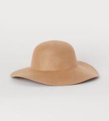 H&m NOV semiš klobuk