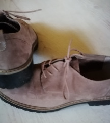 Čevlji št. 41
