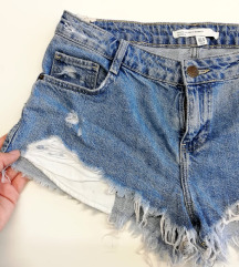 ZNIŽ.Zara ripped shorts