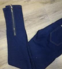 Jeans hlače XS št. MIss Cherry