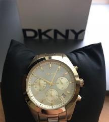 Ura DKNY