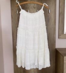 NOVA Zara oblekica se z etiketo