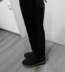 Črni semiš škornji čez koleno