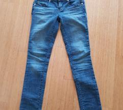 Nove Guess Jeans - ZNIŽANE
