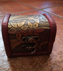 Mini vintage/retro lesena škatlica za nakit