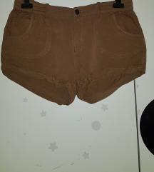 Kratke poletne hlače