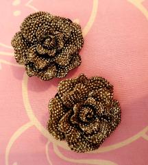 Španga v obliki rože