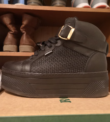 Čevlji z platformo