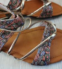 Posebni poletni sandali