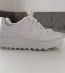 Nike air force saga low