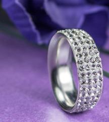 Prstan iz srebra 925+cirkoni-nov