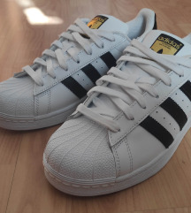 Adidas Superstar 41 1/3 [Novo]