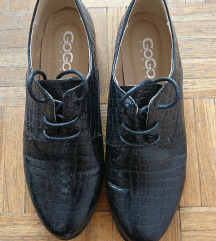 NOVI lakasti čevlji
