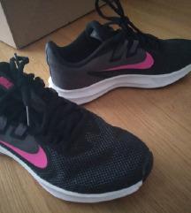 Nike sportni cevlji