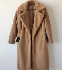 nov nenosen z etiketo teddy coat